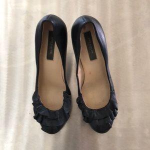 Ann Taylor ruffle pump size 7m black